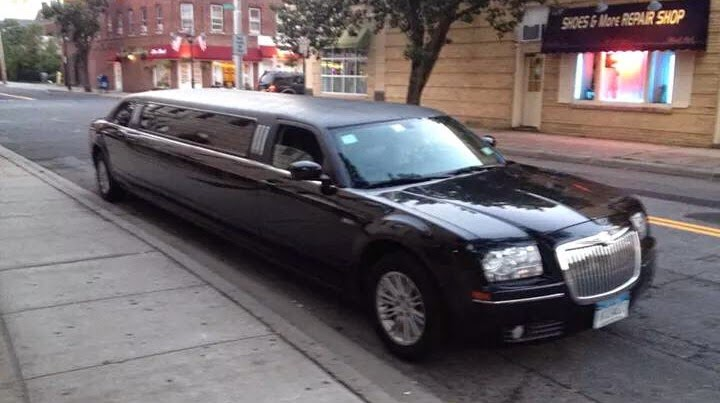 Photo of Long Island Town Car and Limousine Service in Baldwin City, New York, United States - 2 Picture of Point of interest, Establishment