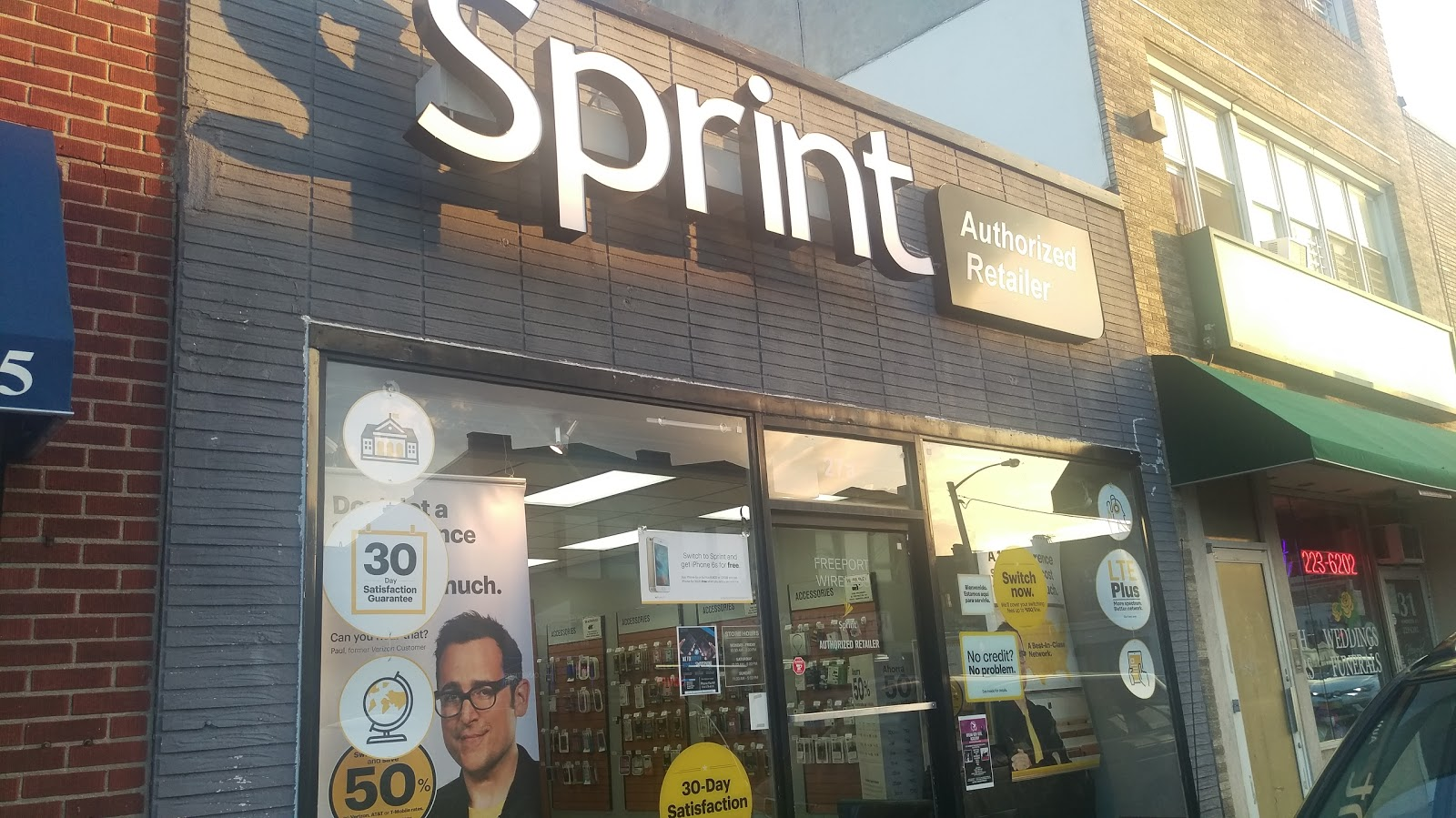 Photo of Sprint Store in Freeport City, New York, United States - 2 Picture of Point of interest, Establishment, Store, Electronics store