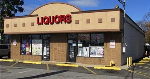 Freeport Wines & Liquors in Freeport City, New York, United States - #1 Photo of Point of interest, Establishment, Store, Liquor store