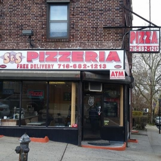 S&S Pizza in Staten Island City, New York, United States - #3 Photo of Restaurant, Food, Point of interest, Establishment, Meal takeaway, Meal delivery