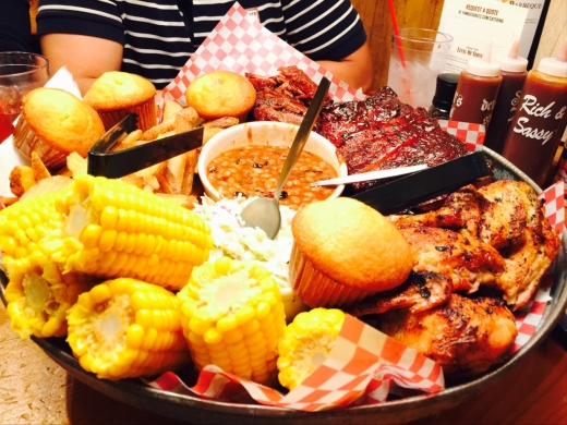 Photo by Draculynz Tan for Famous Dave's Bar-B-Que
