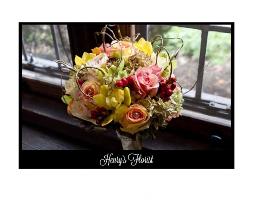 Photo by HENRY'S FLORIST for HENRY'S FLORIST