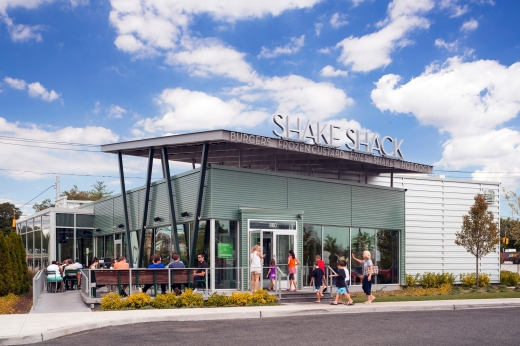 Shake Shack in Garden City, New York, United States - #4 Photo of Restaurant, Food, Point of interest, Establishment, Store, Meal takeaway