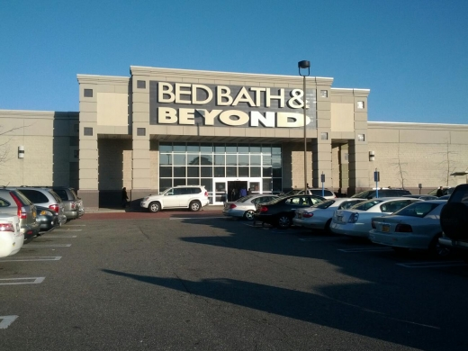Bed Bath & Beyond in Westbury City, New York, United States - #1 Photo of Point of interest, Establishment, Store, Home goods store