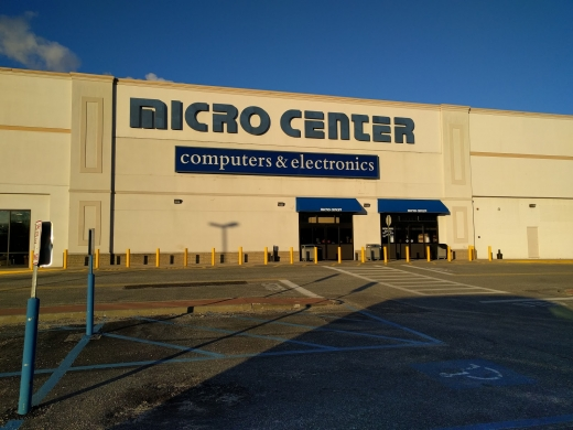 Photo by ERNEST SIEW for Micro Center