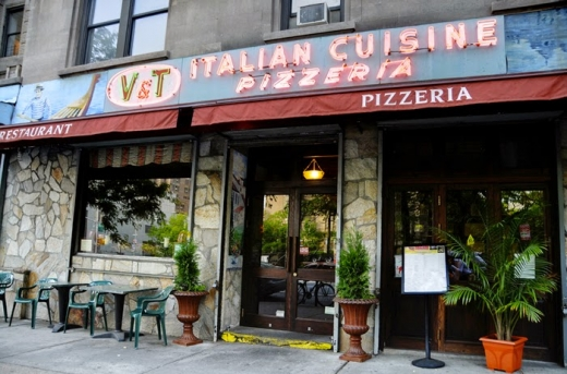 Photo by ZAGAT for V&T Pizzeria