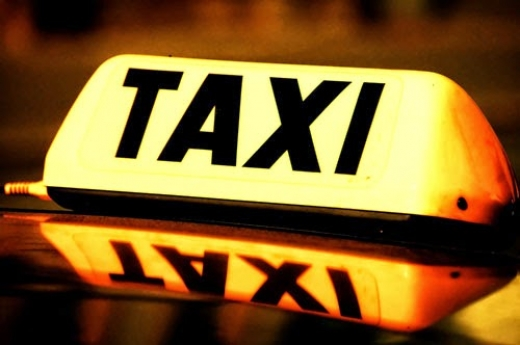 Gold Lincoln Taxi Service In Newark City Explore Before You Go